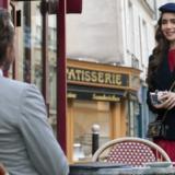 """Η Lily Collins απαντάει στις κριτικές για το """"Emily in Paris"""""""