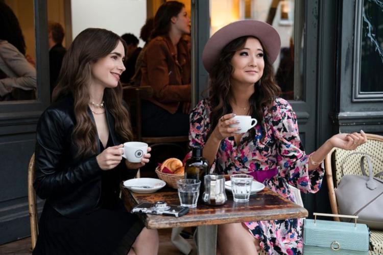 Η Ashley Park από το Μπρόντγουεϊ στη σειρά Emily in Paris
