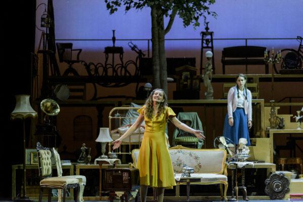 Το Τρίτο Στεφάνι με την Μαρία Καβογιάννη και την Μαρία Κίτσου στο Θέατρο Παλλάς