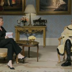 Η Olivia Colman και η Emma Corrin συζητούν για το The Crown λίγο πριν την πρεμιέρα