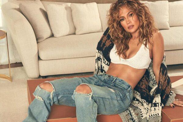 Δείτε την εντυπωσιακή Jennifer Lopez που ποζάρει ολόγυμνη στο εξώφυλλο του νέου της single!