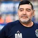 Δείτε την πρώτη φωτογραφία του Diego Maradona μετά την επέμβαση | Βγαίνει από το νοσοκομείο και πάει σε κλινική απεξάρτησης από το αλκοόλ