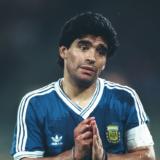 Σε λαϊκό προσκύνημα η σορός του Diego Maradona