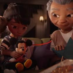 Δείτε την συγκινητική διαφήμιση της Disney για τα φετινά Χριστούγεννα