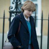 Emma Corrin: Η ηθοποιός που υποδύεται την Νταϊάνα στο The Crown αποκάλυψε γιατί δεν ξύρισε τις μασχάλες της