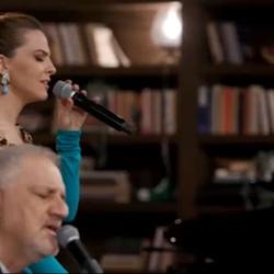"""Πρεμιέρα έκανε το """"Μουσικό Κουτί"""" με τον Νίκο Πορτοκάλογλου και την Ρένα Μόρφη"""