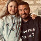 Τα σημειώματα που άφησε στην Victoria και τον David Beckham η κόρη τους, Harper πριν πέσουν για ύπνο