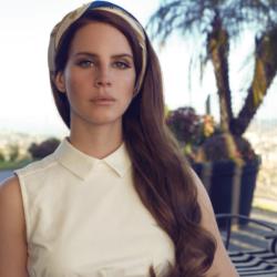 Η Lana Del Rey λέει ότι η διαθήκη της δεν επιτρέπει να κυκλοφορήσουν τραγούδια της μετά θάνατον