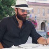 Το βίντεο του Αντώνη Τσαπατάκη για τις δυσκολίες μετακίνησης των ΑμΕΑ στους δρόμους, που έγινε viral