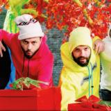 Alcatrash: «Θαύμα Των Χριστουγέννων» με Νίκο Μουτσινά & Βάνια το νέο τους video clip