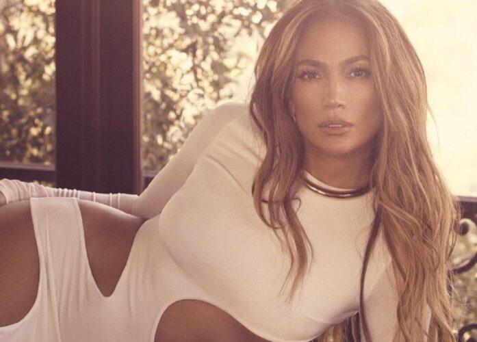 Η Jennifer Lopez ποζάρει με την κόρη της