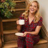 Δείτε την Reese Witherspoon να ποζάρει με την κόρη της σε Christmas mood