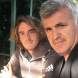O πατέρας του Στέφανου Τσιτσιπά απαντά στους επικριτές του γιου του μετά την ανάρτηση που προκάλεσε αντιδράσεις