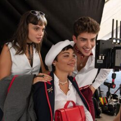 Martina Cariddi – Manu Rios – Carla Díaz: Συνεχίζουν τις διακοπές τους στην Ελλάδα οι πρωταγωνιστές του Elite