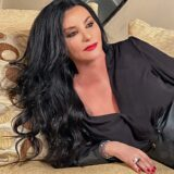 Πόπη Μαλλιωτάκη: Κυκλοφόρησε το νέο της τραγούδι με τίτλο «Το κλειδί του φεγγαριού»