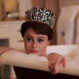 Helena Bonham Carter για The Crown: «Είναι δραματοποιημένο. Έχουμε ηθική ευθύνη να πούμε..»