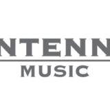O Antenna Music, μέλος του Antenna Group, συνεργάζεται με την Bauer Media Audio, μέλος της Bauer Media Group