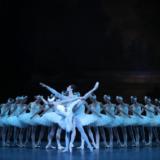 """""""Η Λίμνη των Κύκνων"""" με το Μπαλέτο της Εθνικής Όπερας του Παρισιού σε Online Streaming"""