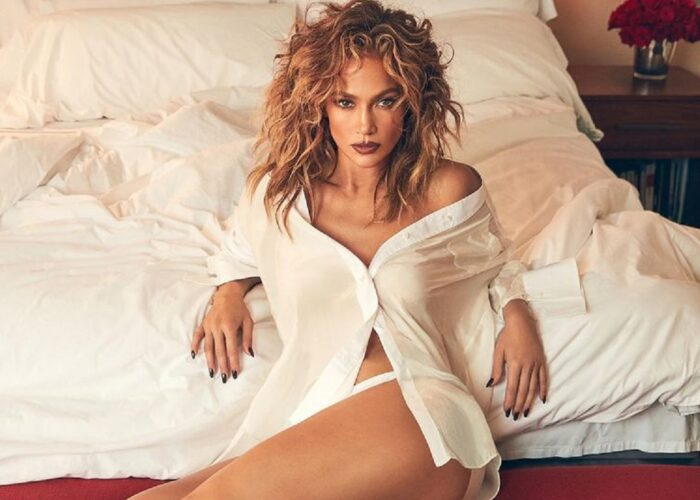H Jennifer Lopez εμφανίστηκε με νυφικό