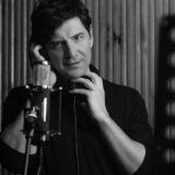 Στα Καλύτερά Μου: Το νέο album του Σάκη Ρουβά κυκλοφορεί