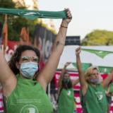 Ιστορική απόφαση για τα δικαιώματα των γυναικών στην Αργεντινή: Νομιμοποίηση τις αμβλώσεις