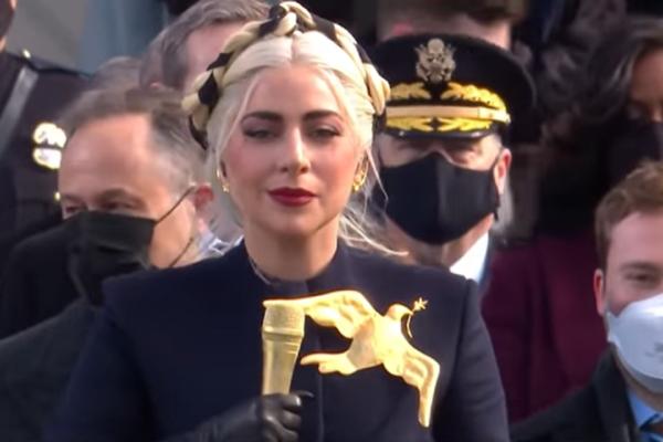 H Lady Gaga τραγούδησε τον εθνικό ύμνο των ΗΠΑ στην ορκωμοσία του Joe Biden