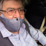 Κορωνοϊός: Στο νοσοκομείο Ναυπλίου εμβολιάστηκε ο τέως βασιλιάς Κωνσταντίνος