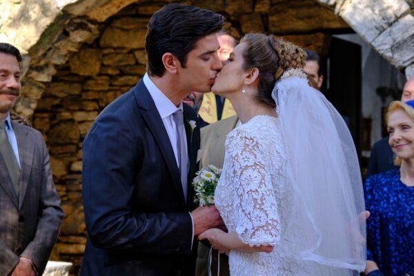 Άγριες Μέλισσες: Δείτε φωτογραφίες από τον γάμο της Ελένης και του Λάμπρου
