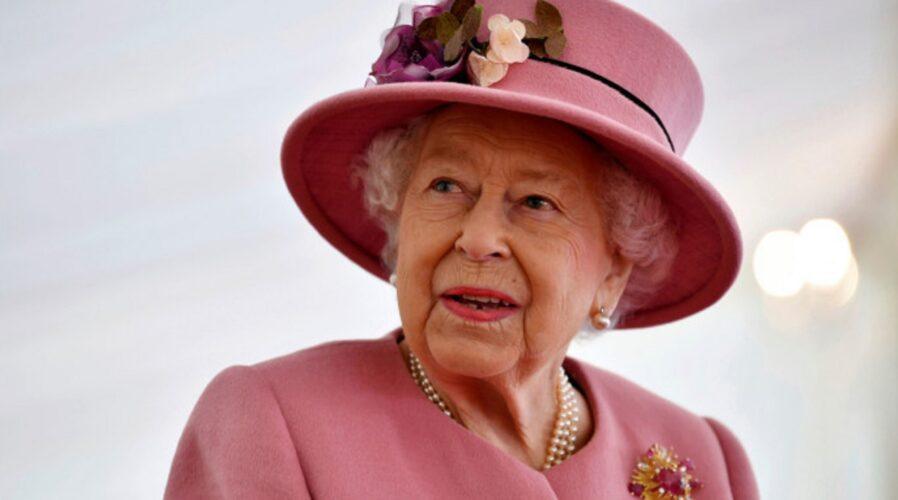 """Βασίλισσα Ελισάβετ: """"Είμαστε πολύ χαρούμενοι για την εγκυμοσύνη της Meghan Markle"""""""