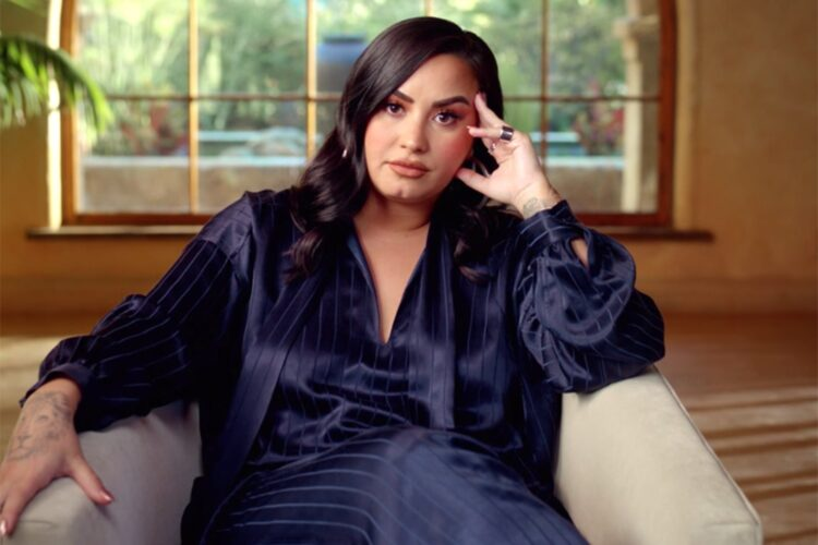 Demi Lovato: «Θα προτιμούσα να ρισκάρω με τις πιθανές παρενέργειες, παρά να διακινδυνεύσω τη ζωή μου»