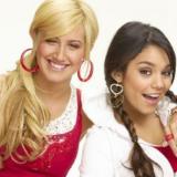 Η Vanessa Hudgens και η Ashley Tisdale ποζάρουν μαζί 13 χρόνια μετά το High School Musical