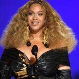 H Beyonce γράφει ιστορία και γίνεται η γυναίκα καλλιτέχνιδα με τα περισσότερα Βραβεία Grammy