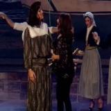 Ο Θανάσης Αλευράς στη σκηνή του Υour Face Sounds Familiar – All Star με τη Στέλλα Κονιτοπούλου