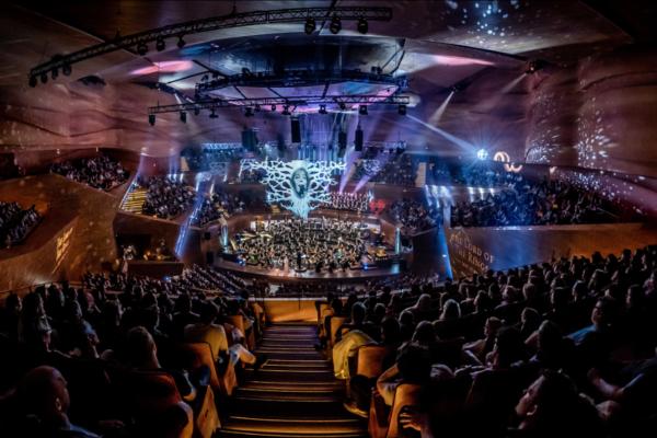 Fantasymphony: Μουσική των Καλύτερων Κινηματογραφικών Ταινιών Φαντασίας στο Christmas Theater On Line
