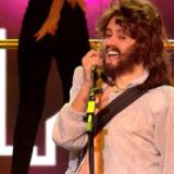 Σάρωσε η Μπέττυ Μαγγίρα ως Bee Gees στο Your Face Sounds Familiar