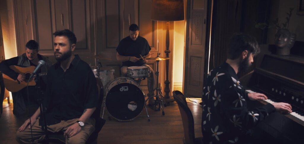 Alcatrash – Είσαι Ό,τι Έχω: Το νέο τους hit και video με ιστορία αγάπης - απιστίας