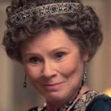 Η Imelda Staunton μιλάει για τη σειρά «The Crown» και τον ρόλο της ως Βασίλισσα Ελισσάβετ