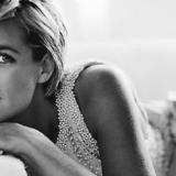 Το θρυλικό νυφικό της Πριγκίπισσας Diana εκτίθεται για πρώτη φορά