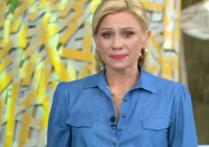 Ξέσπασε σε κλάματα η Κατερίνα Καραβάτου για το θάνατο του Νίκου Ζαχαριάδη