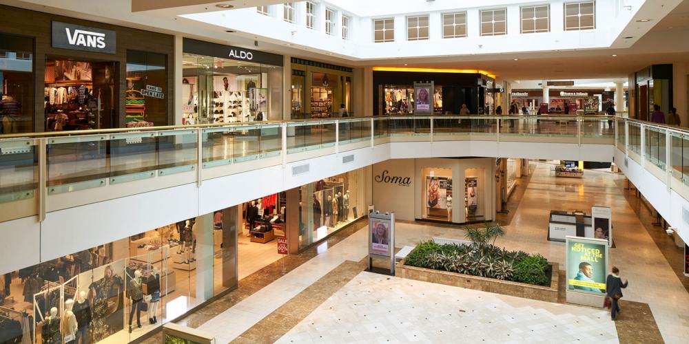 """Κορονοϊός: """"Όχι"""" από τους ειδικούς στο άνοιγμα Mall και Κέντρων Αισθητικής από Δευτέρα"""