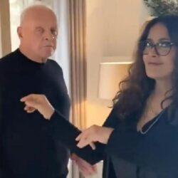 Το viral βίντεο του Anthony Hopkins που χορεύει με τη Salma Hayek
