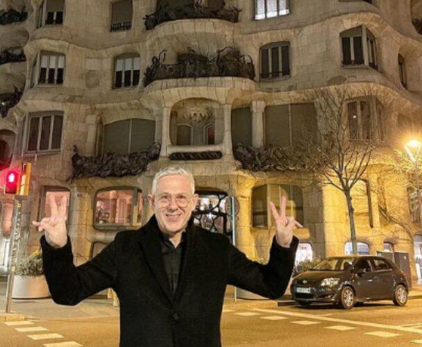 """Ο Τάσος Δούσης και οι """"Εικόνες"""" ταξιδεύουν στην Βαρκελώνη"""