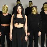 Μάνα: Το νέο τραγούδι-πρόταση της Ιουλίας Καλλιμάνη