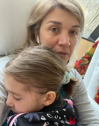 """Συγκλονίζει η μητέρα της 7χρονης Αναστασίας: """"Είμαι έτοιμη θάνατε, σε κοιτάω στα μάτια"""""""