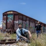 Αλέξανδρος Γαβαλάς-Εμπόριο: Συγκινεί το πρώτο τραγούδι και βιντεοκλίπ Έλληνα τραγουδιστή και στην νοηματική γλώσσα