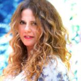 """Η Ελένη Τσαλιγοπούλου στο ανοιχτό θέατρο """"Ακόντισμα"""" στη Νέα Καρβάλη Καβάλας"""