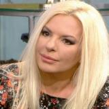 Αννίτα Πάνια: «Όταν έχω σχέσεις και δεσμούς με έναν άνθρωπο δεν χωρίζω»