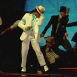 Εντυπωσίασε τους κριτές του Your Face Sounds Familiar ο Ίαν Στρατής ως Michael Jackson