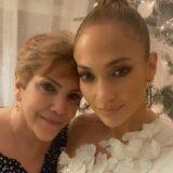 Η τρυφερή ανάρτηση της Jennifer Lopez με την μητέρα της για την γιορτή της μητέρας
