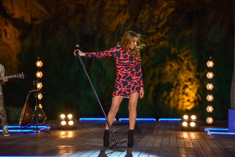 Η Δέσποινα Βανδή τραγούδησε live το «Πέτρα» που σηματοδότησε το χωρισμό της